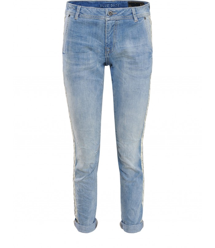 Jeans with piping